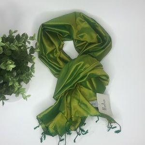 NWT👛[Italca] Made in Italy Silk Wrap/Scarf